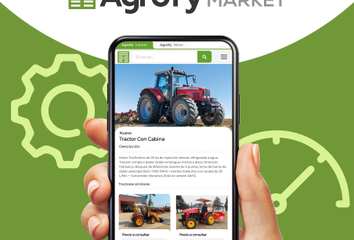 A photo of a phone showing Agrofy Market app.